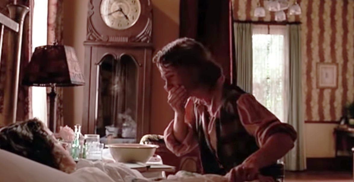 """Mary Stuart Masterson as Imogene """"Idgie"""" Threadgoode and Mary-Louise Parker as Ruth Jamison in the movie """"Fried Green Tomatoes."""""""