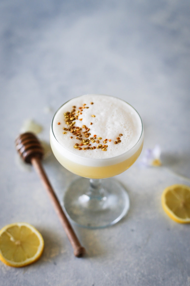 A Bee's knees cocktail with an egg white top layer.