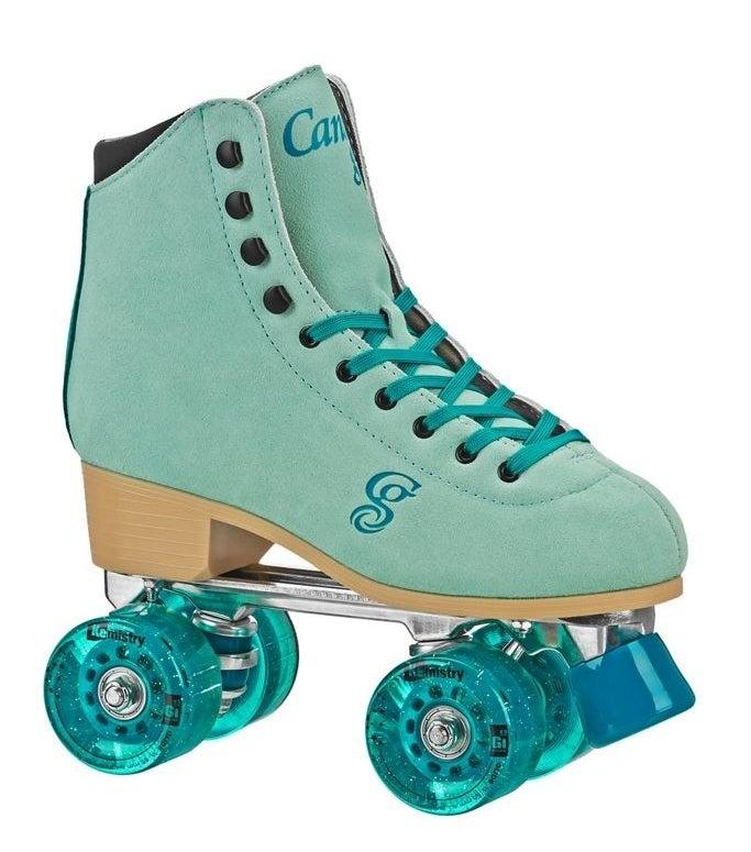 a roller derby candi grl quad roller skate in green