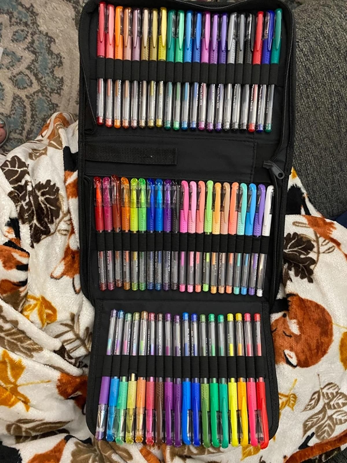 reviewer image of the 122 gel pen pack