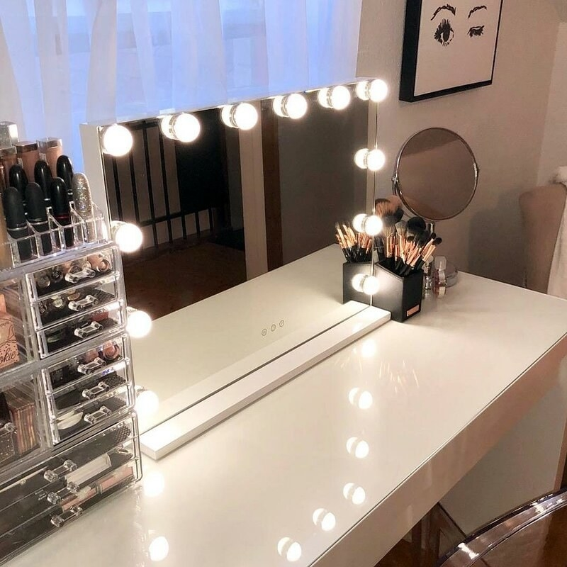 The makeup mirror