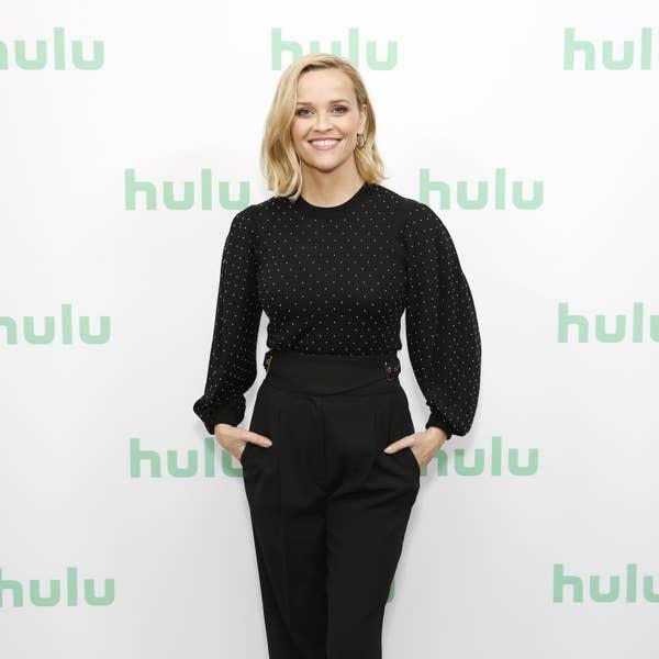 Reese Witherspoon menghadiri Panel Hulu pada Winter TCA 2020 di The Langham Huntington, Pasadena pada 17 Januari 2020 di Pasadena, California