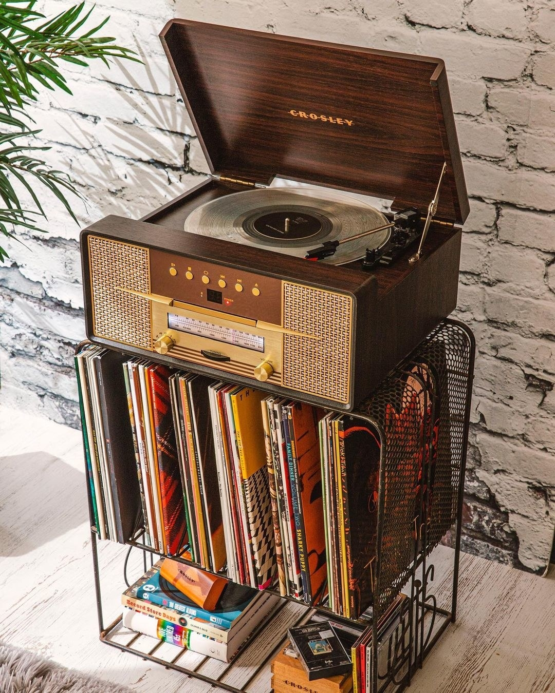 The wooden record player