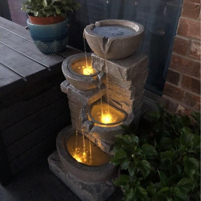 The resin fountain