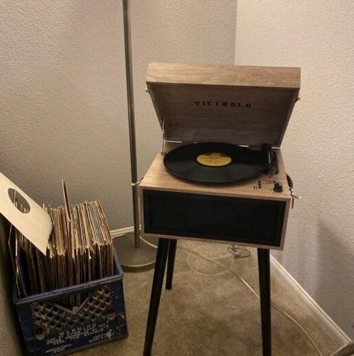 The farmhouse oatmeal record stand