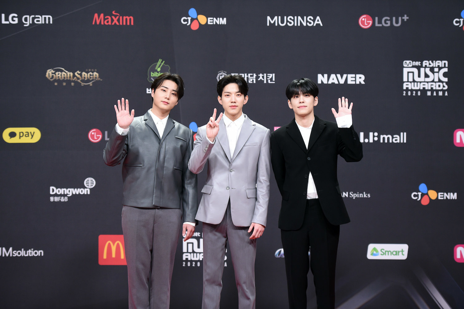 Day6, wearing suits, attends the 2020 Mnet Asian Music Awards