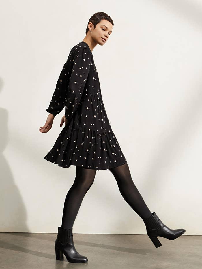 The black star print dress