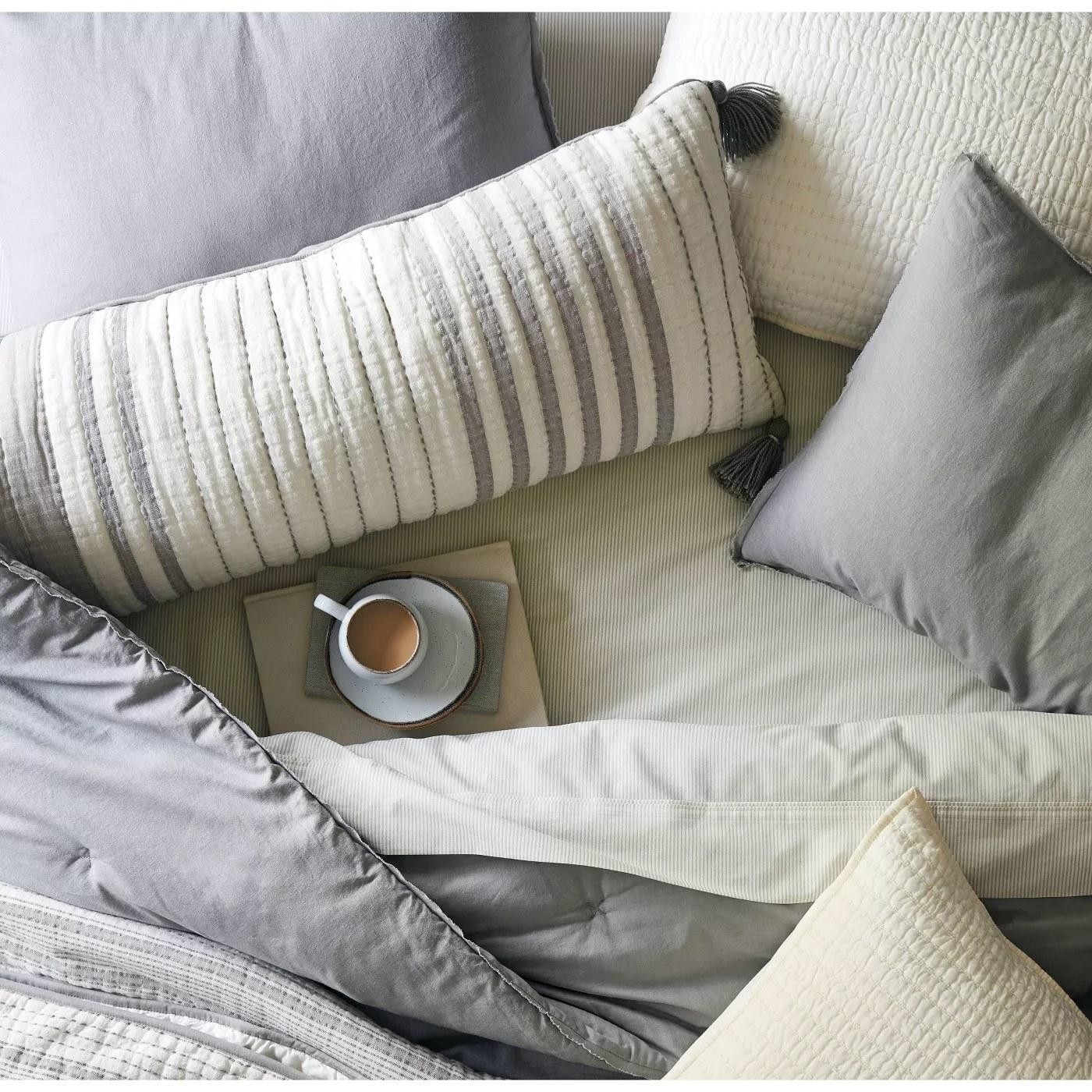 The lumbar pillow