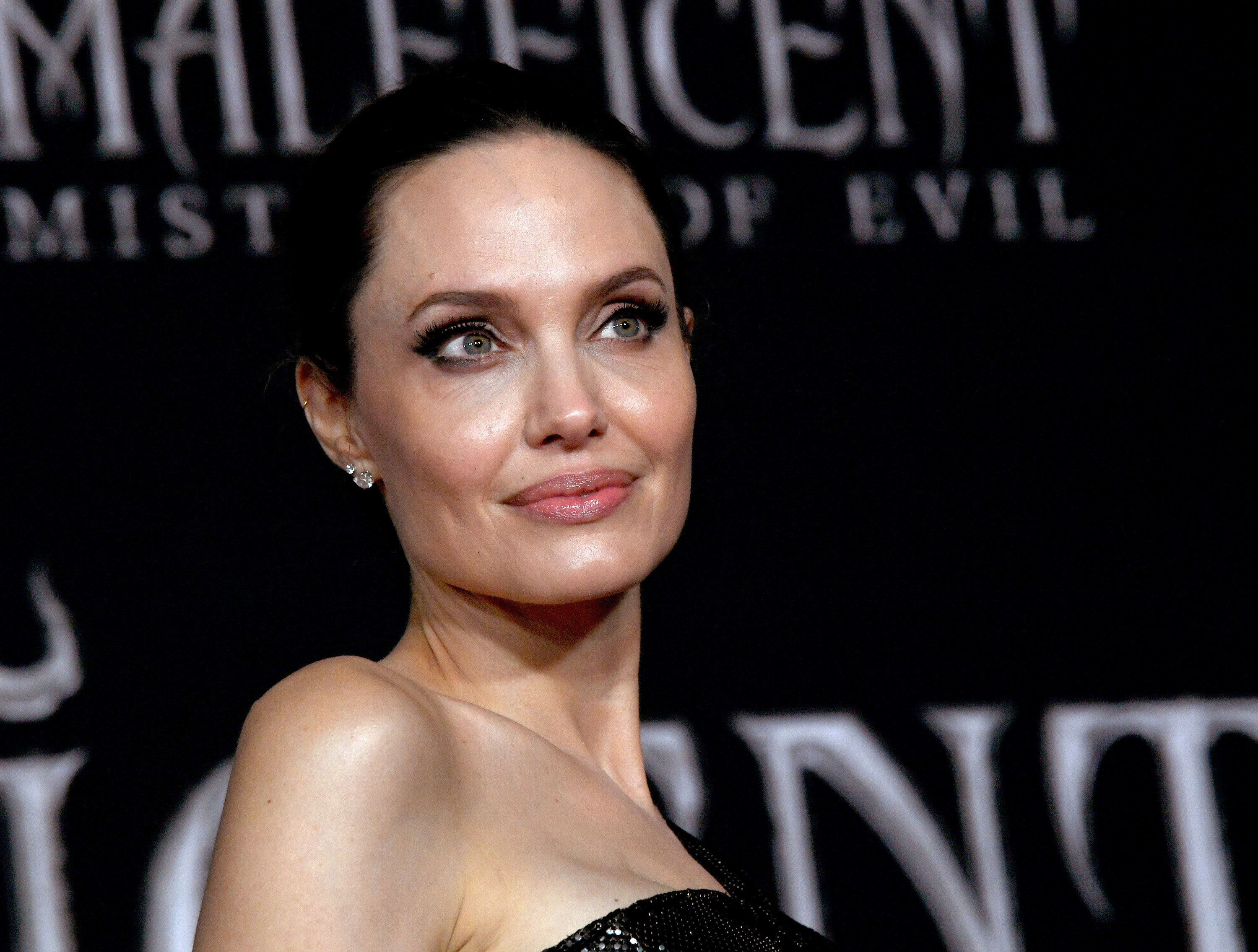 """Angelina Jolie arrives at the premiere of Disney's """"Maleficent: Mistress Of Evil"""" at the El Capitan Theatre on September 30, 2019 in Los Angeles, California"""