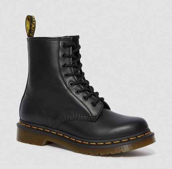 black classic dr marten boot