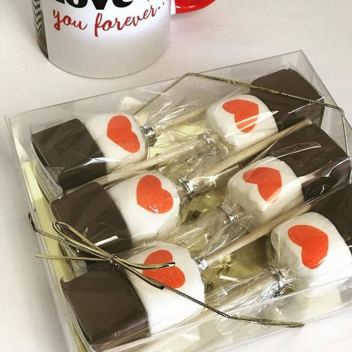 Hot chocolate and marshmallow gift set