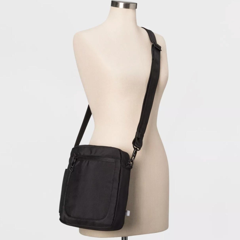 The anti-theft bag