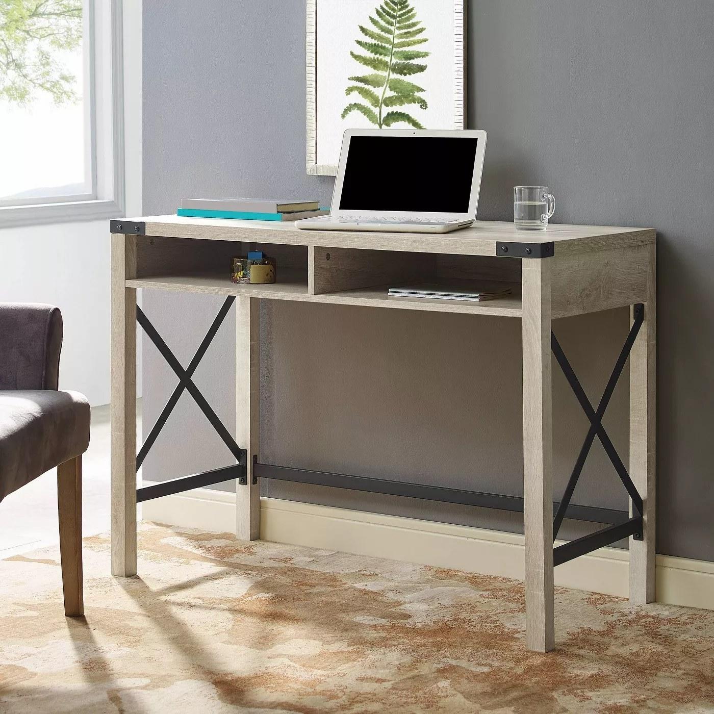 The desk in white oak