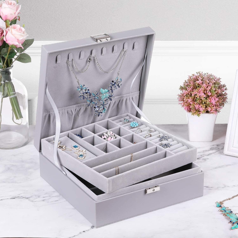 The velvet-lined box in grey