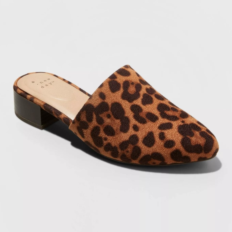 The shoes in the color brown/leopard