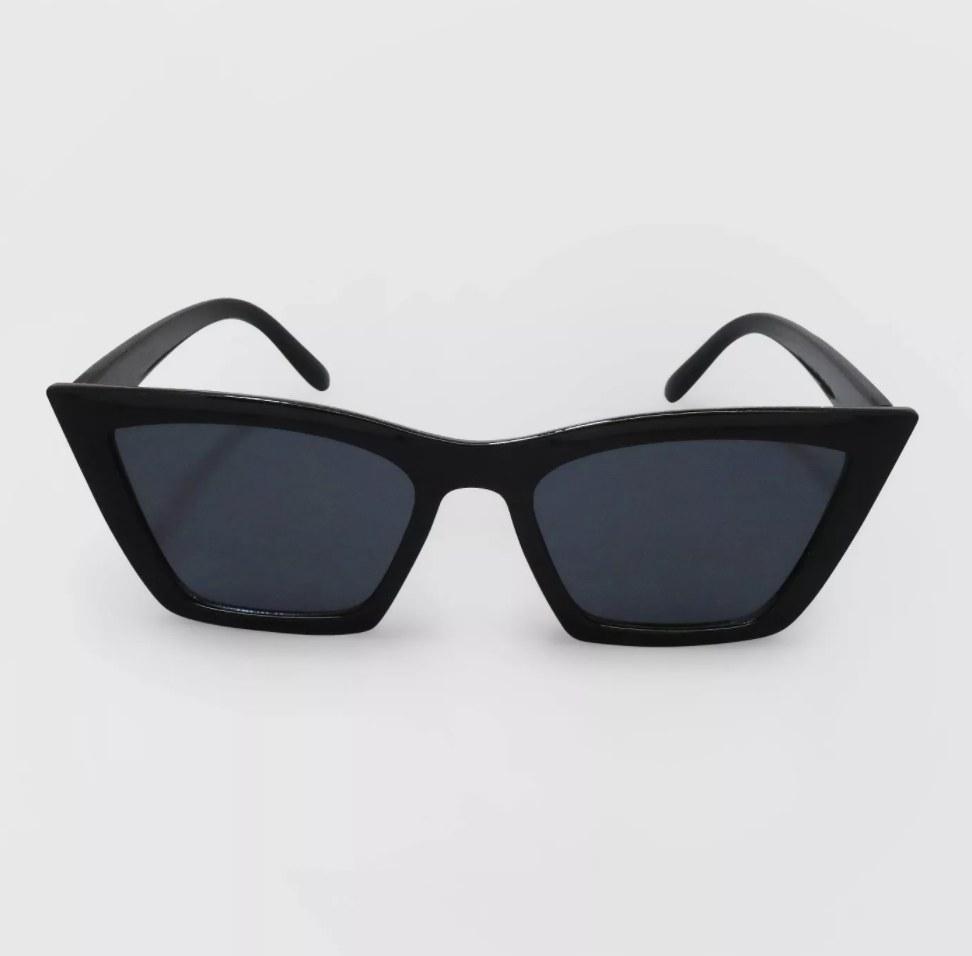 The black cat eye sunglasses
