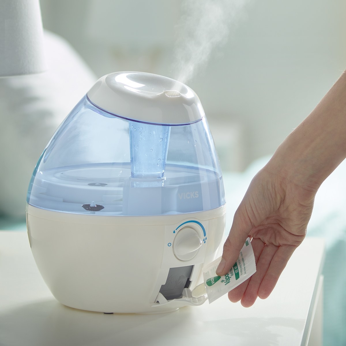 The humidifier emitting steam