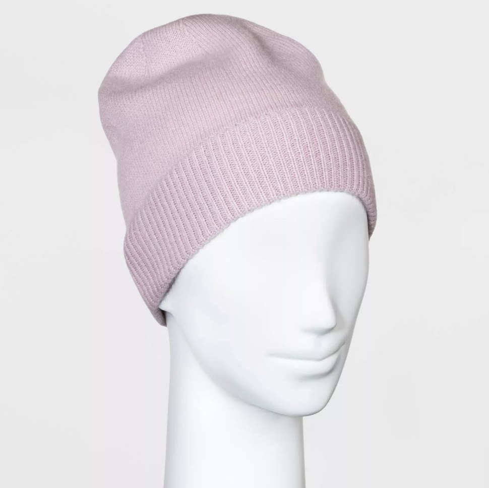 The beanie in the color blush/lilac