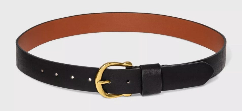 The belt in the color black