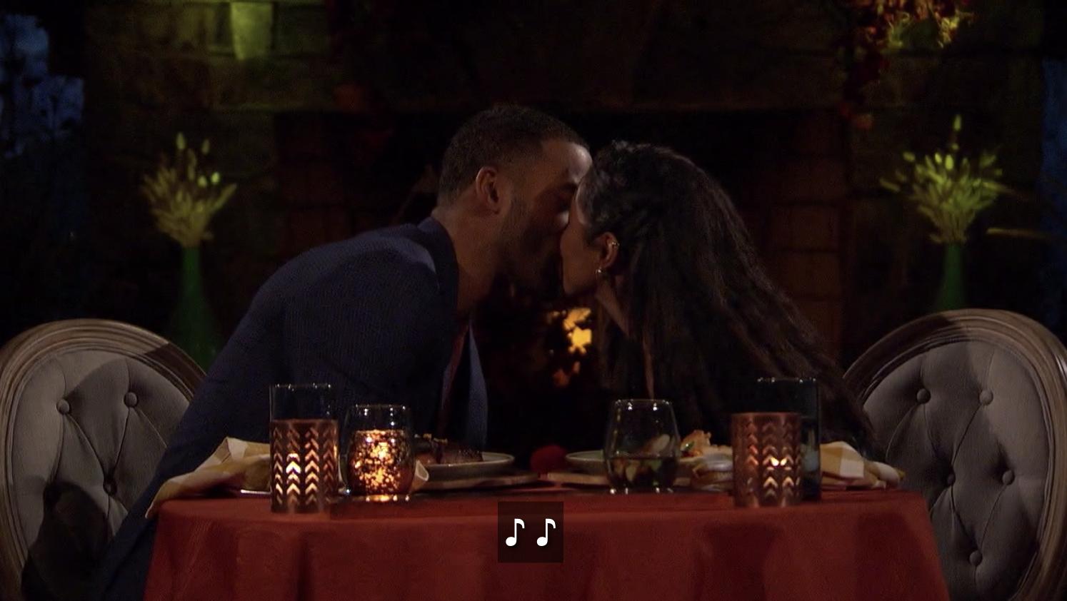 Matt and Bri kissing on their date