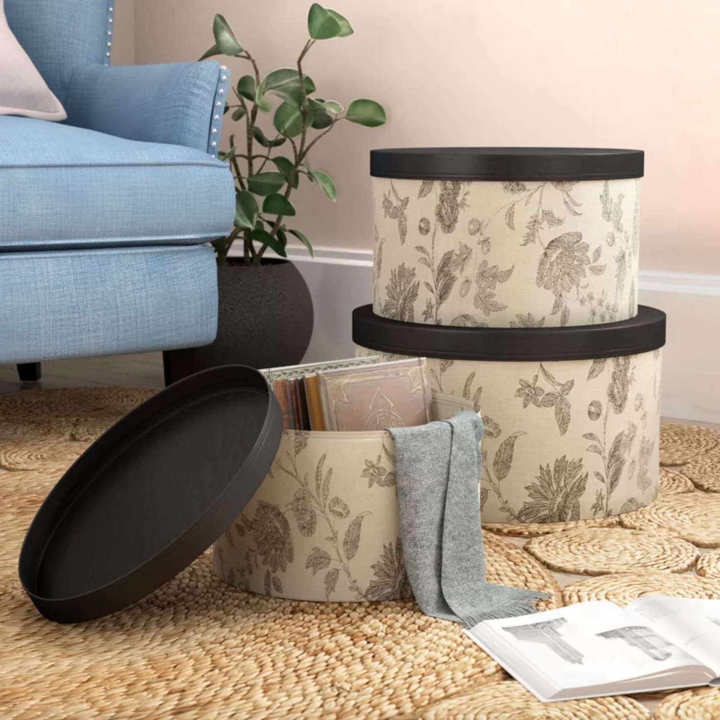 The three-piece set of hat boxes
