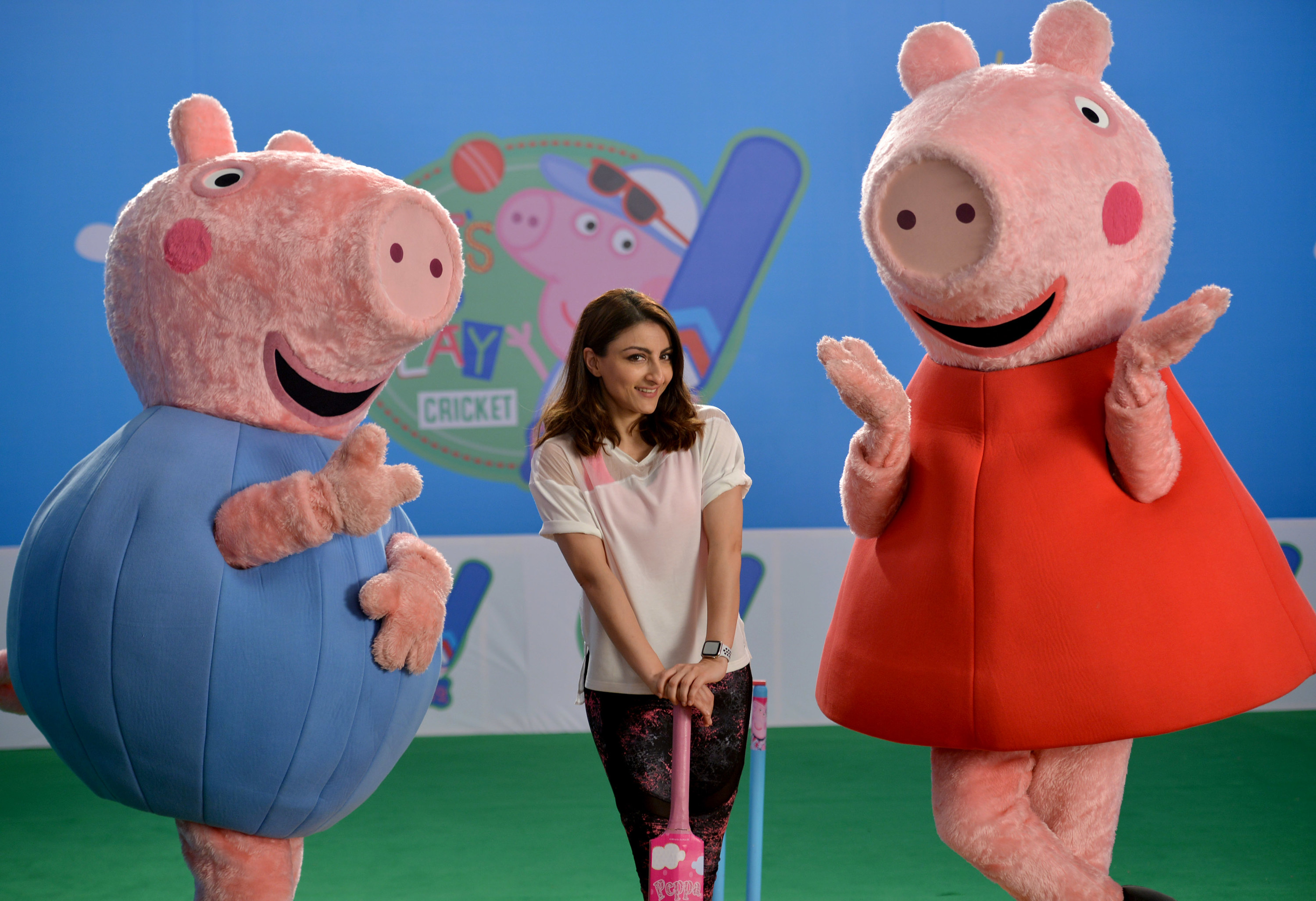Photo of a Peppa at a cricket event