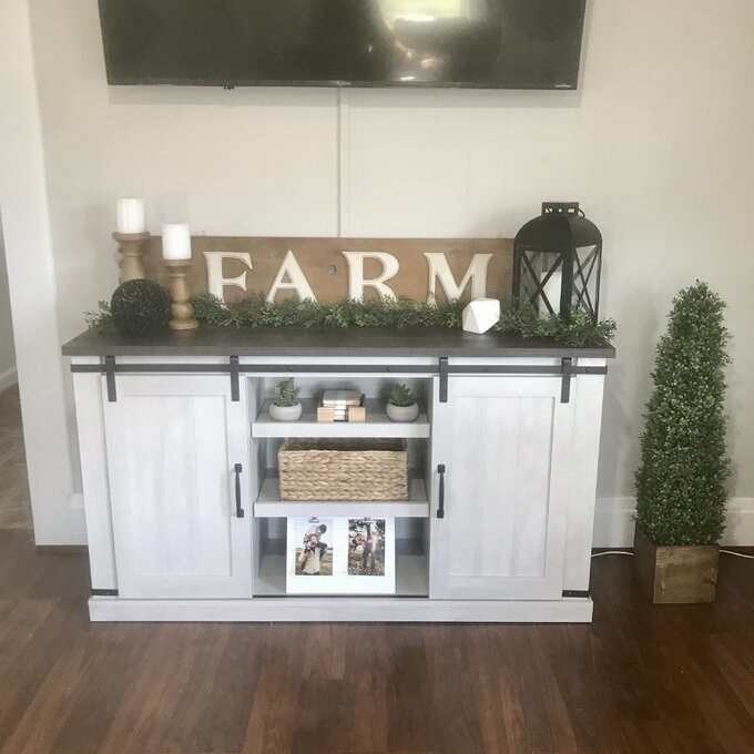 Review photo of the TV stand