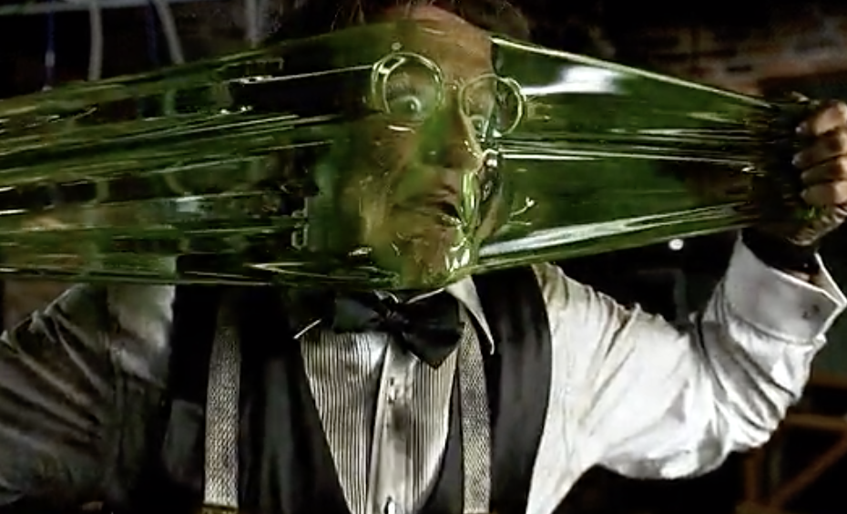 Robin Williams stretching Flubber all over his face