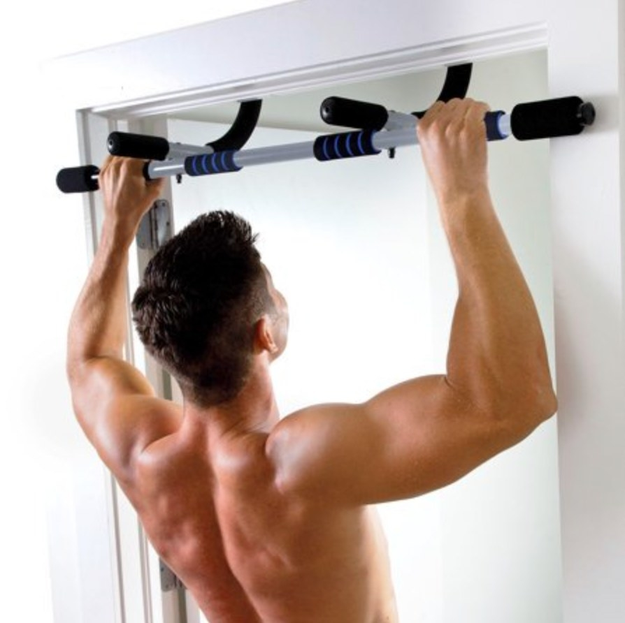 The doorway pull up bar