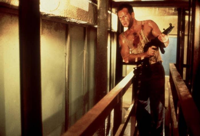 Bruce Willis dalam Die Hard