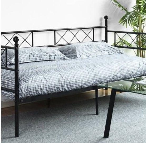 Review photo of the daybed