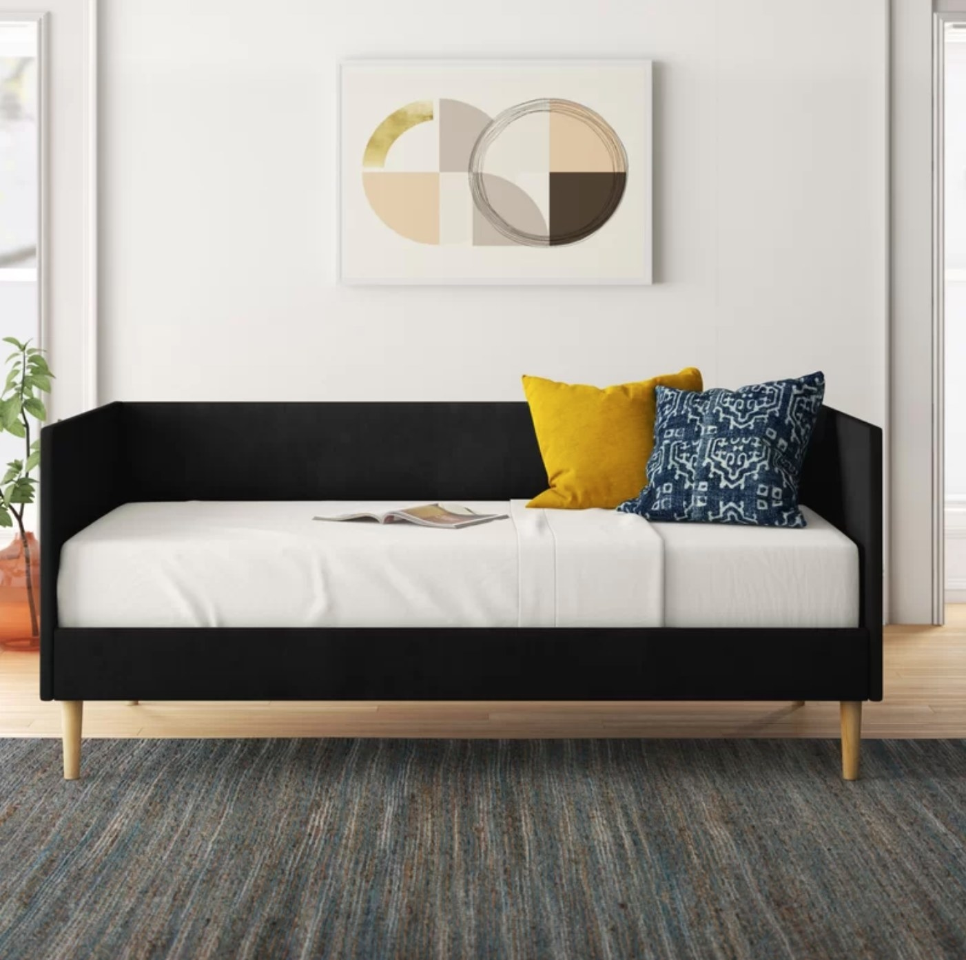 The daybed in black velvet