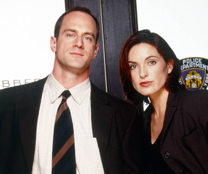Elliot Stabler and Olivia Benson posted up in all their glory