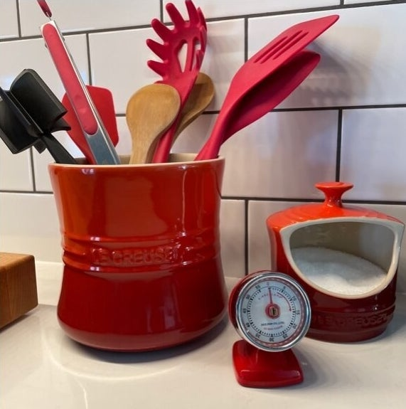 Review photo of the cerise utensil crock