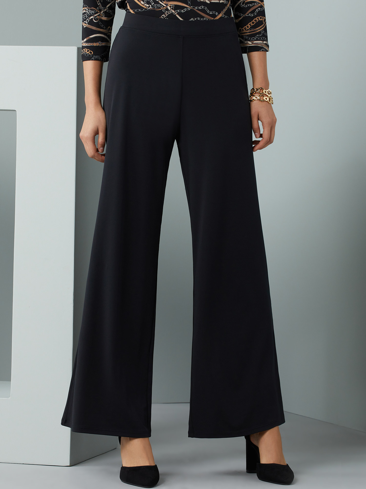 The black wide-leg pants