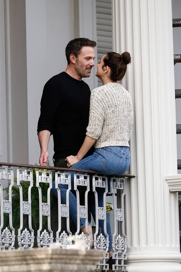 Ben Affleck and Ana de Armas kiss during a break in filming on the set of their new psychological erotic thriller
