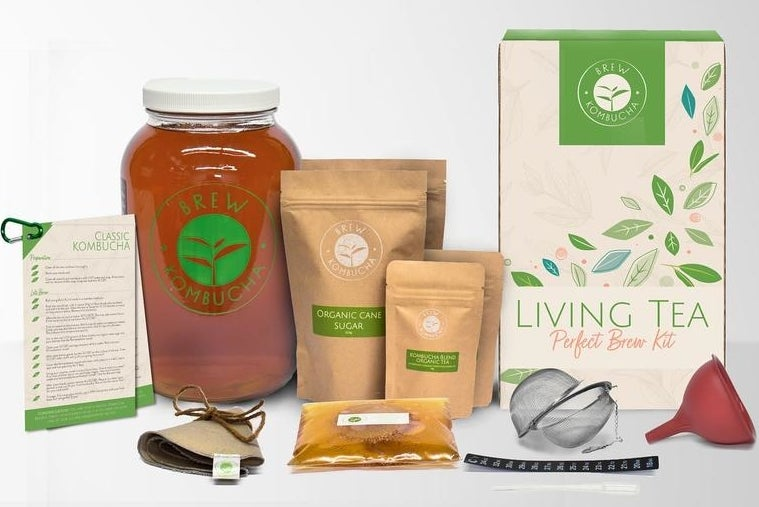 The pieces of the kombucha set