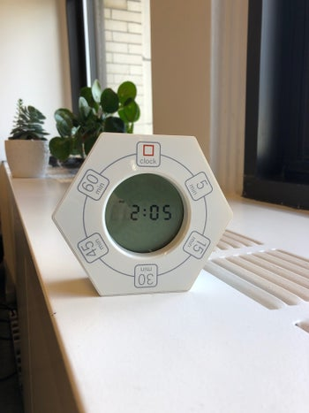 A BuzzFeeder's photo of the white timer