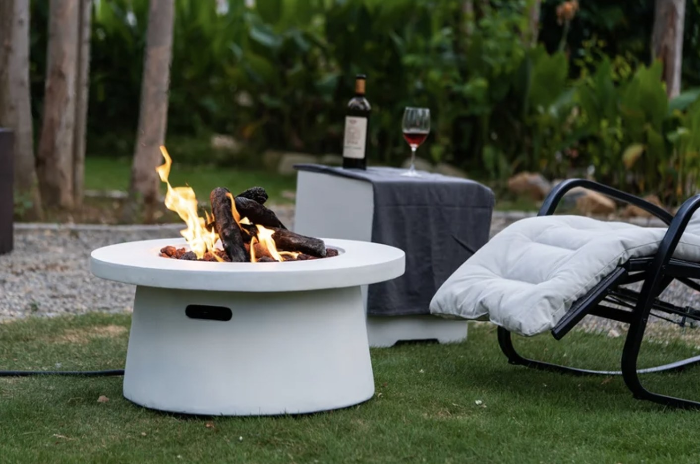 the fire pit in white concrete