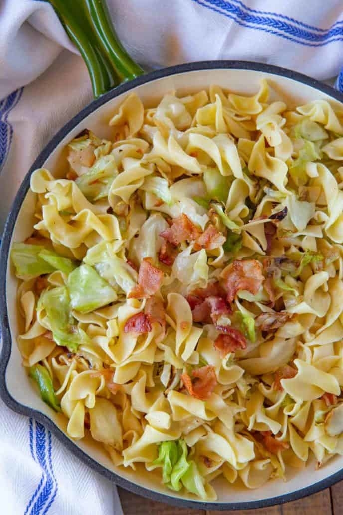 Polish egg noodles with cabbage.