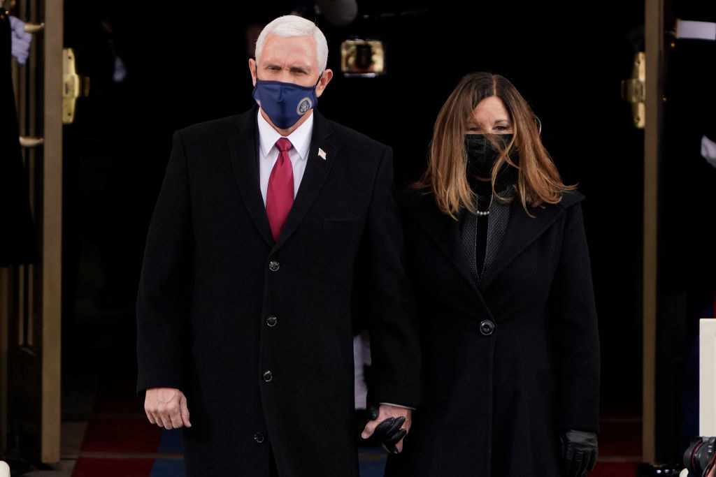 Former Vice President Mike Pence holding hands with former Second Lady Karen Pence at the inauguration