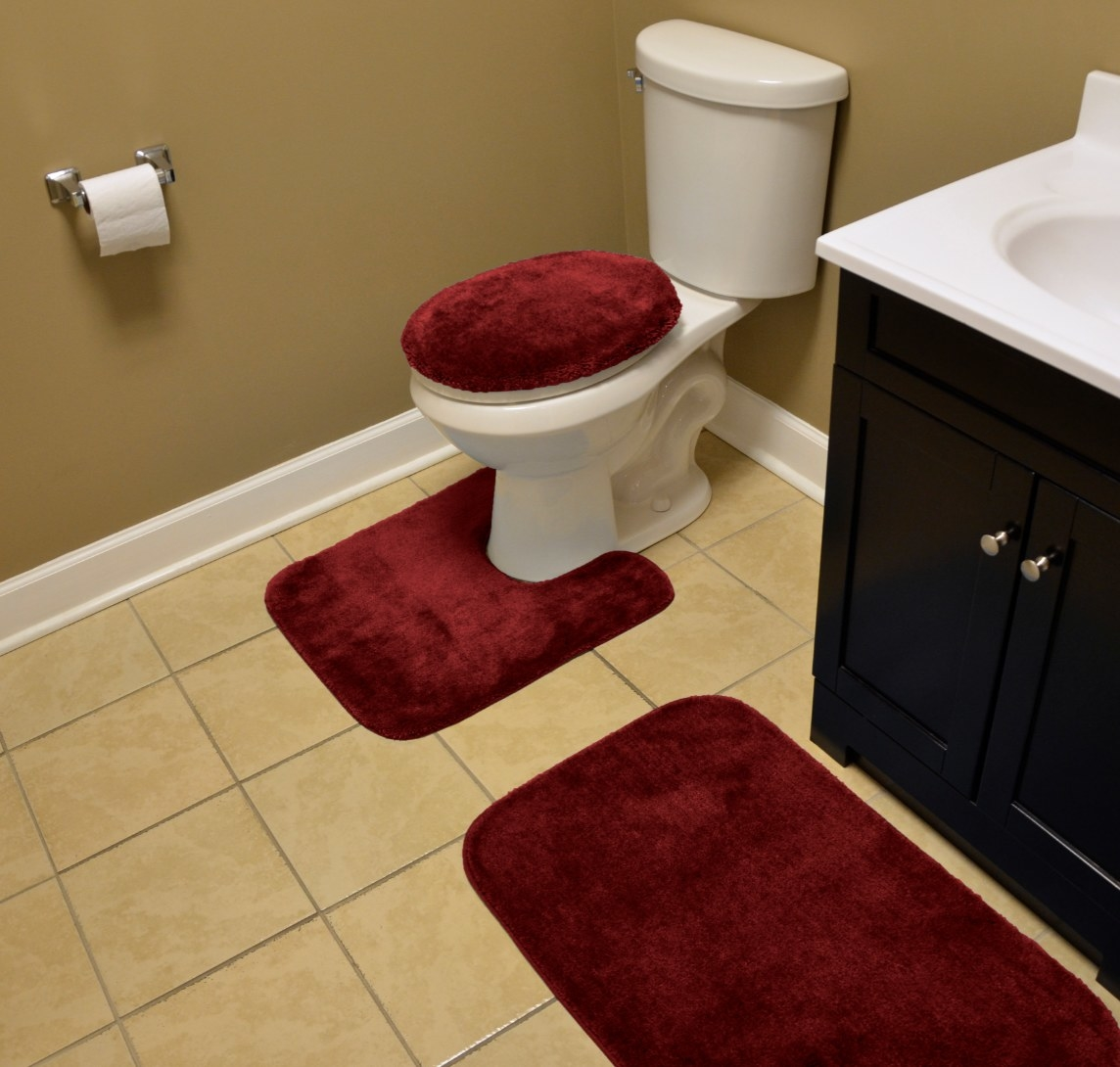 The three piece washable rug set in red