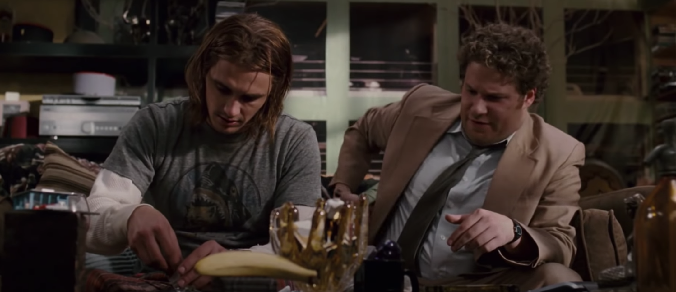 Dale buying pot from Saul in Pineapple Express