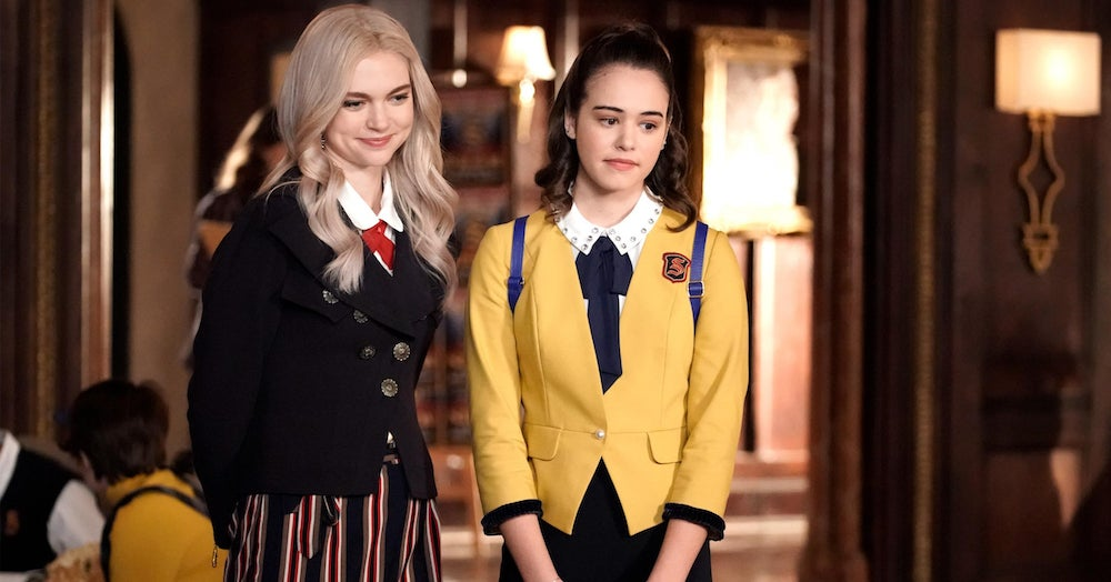 """We Know If You're More Josie Or Lizzie From """"Legacies"""" With These 8 Questions"""