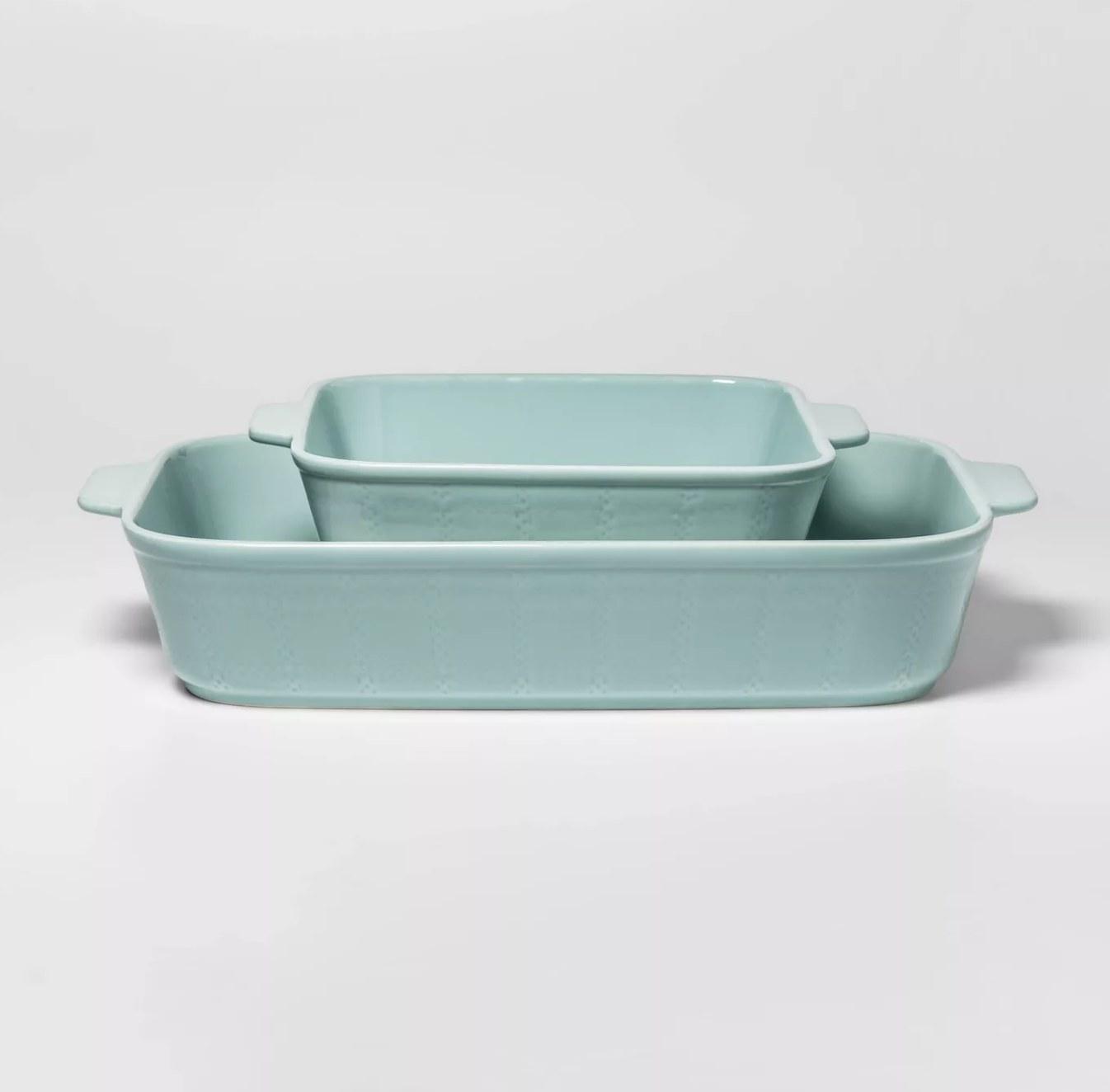 The light blue bakeware set