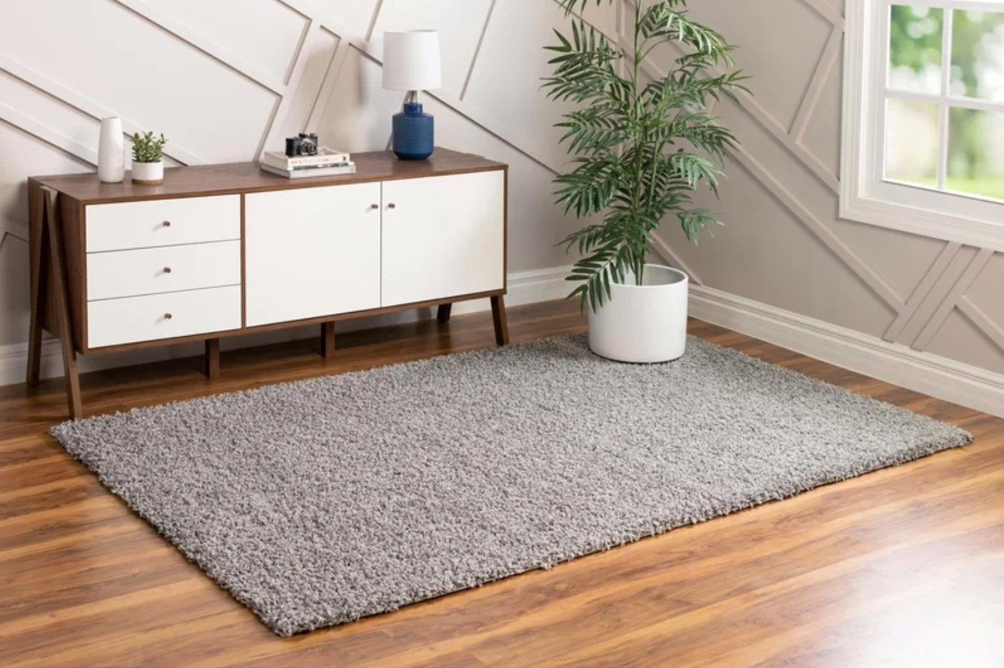 The area rug in cloud gray