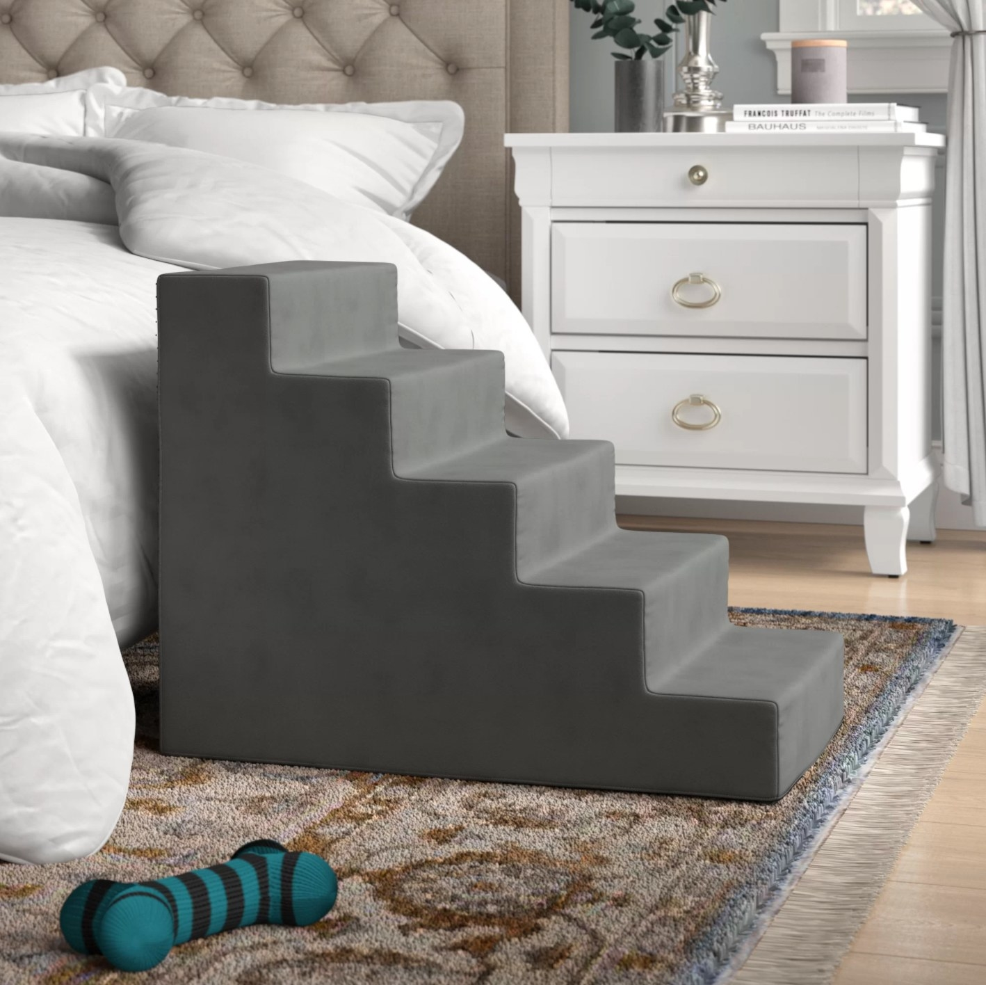 The set of five pet stairs in gray