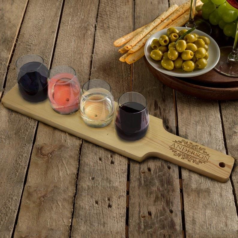 Customizable wine flight with four wine glasses