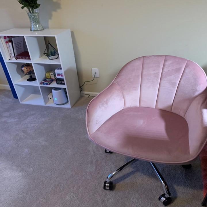 Reviewer image of pastel pink version