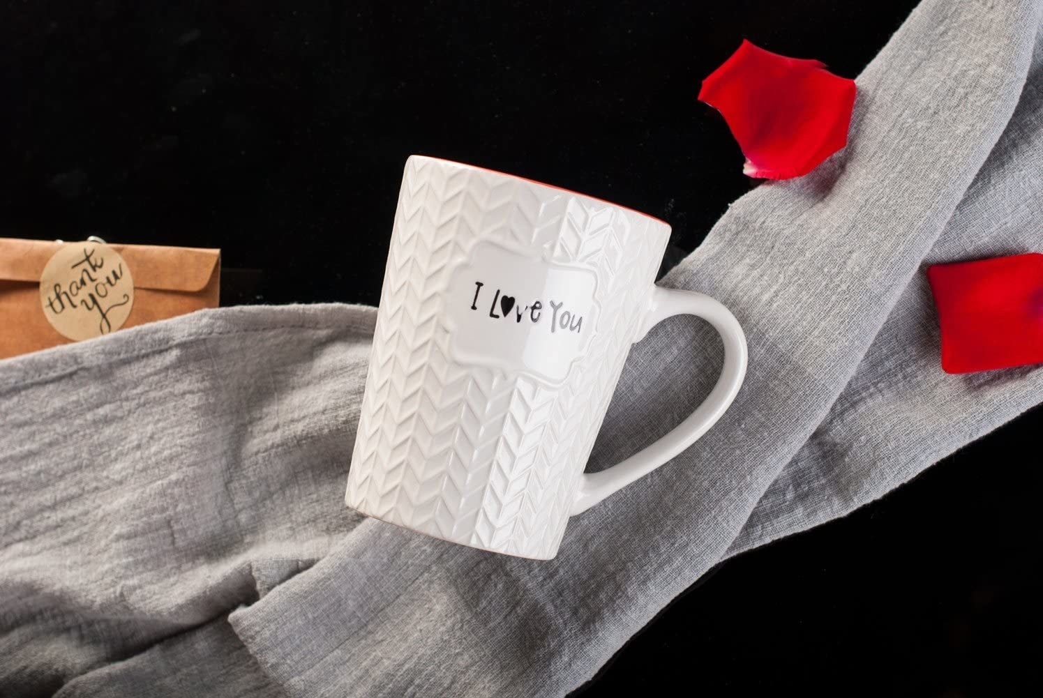 """Mug with sweater pattern that says """"I love you"""""""